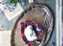Pudding chałkowy zwiśniami wrumie - ugotuj