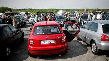 Giełda samochodowa w Białymstoku.