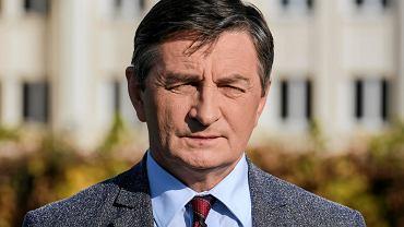 Marek Kuchciński pobierał wypłatę marszałka, choć podał się do dymisji.