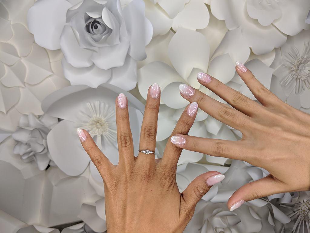 Babyboomer to manicure, który spodoba się fankom klasycznego french manicure