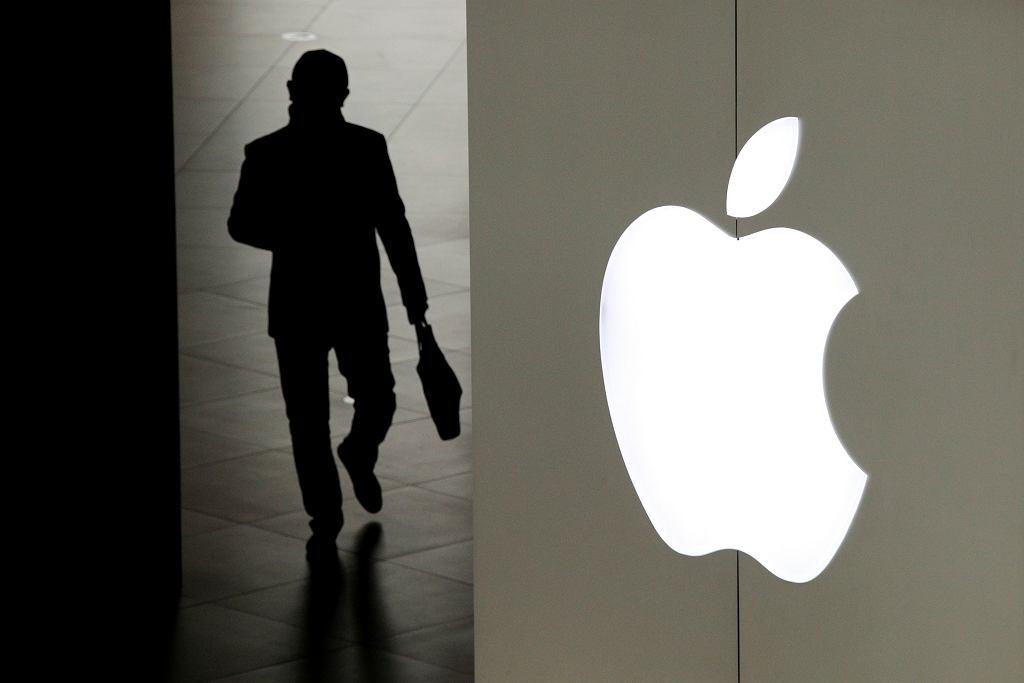 Apple zanotował prawie 10 proc. spadek notowań