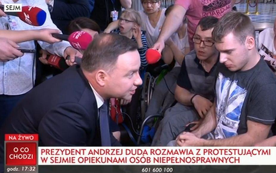 Andrzej Duda przyjechał do protestujących w Sejmie rodziców dzieci niepełnosprawnych