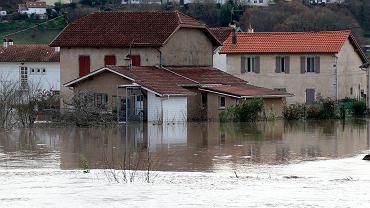 Powodzie i wichury we Francji