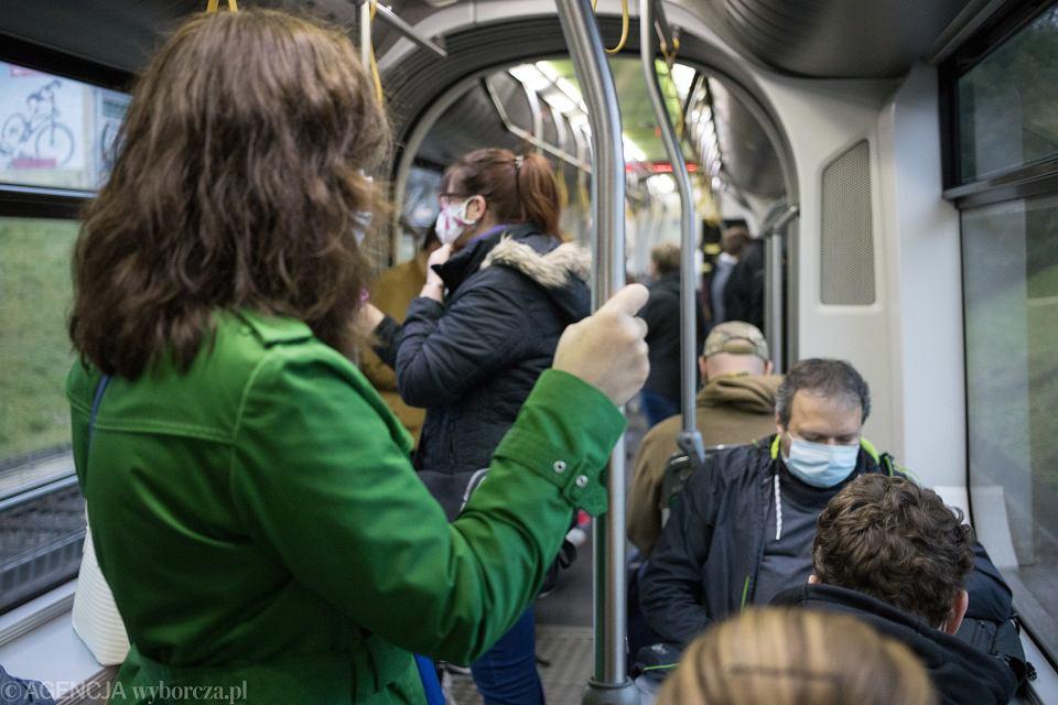 Transport publiczny w czasie pandemii. Poznań.