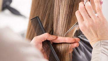 Trzy fryzury, które są już niemodne i postarzają. Unikaj ich, bo dodasz sobie 10 lat!