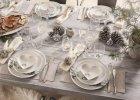 Serwis Asa's Christmas White od Fyrklövern. Śnieżnobiała bajka przy świątecznym stole