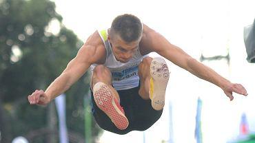 <b>Tomasz Jaszczuk</b> (MKS Pogoń Siedlce, 22 lata) - skok w dal