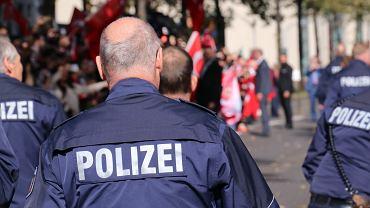 Niemcy. Radna urządziła przyjęcie mimo lockdownu. Policja użyła gazu
