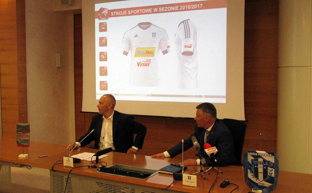 Od lewej: Rafał Pasieka, dyrektor wykonawczy ds. marketingu w PKN Orlen oraz Jacek Kruszewski, prezes Wisły Płock