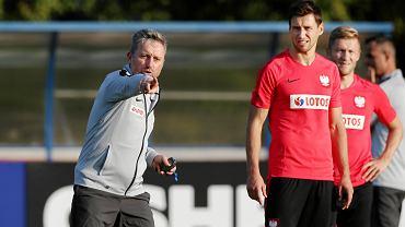 - Jesteśmy głównym kandydatem do awansu - mówił w poniedziałek selekcjoner Jerzy Brzęczek na starcie zgrupowania przed pierwszymi meczami eliminacji do Euro 2020.
