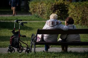 Dłuższe życie to mniej pieniędzy. ZUS policzył czas pobierania emerytur