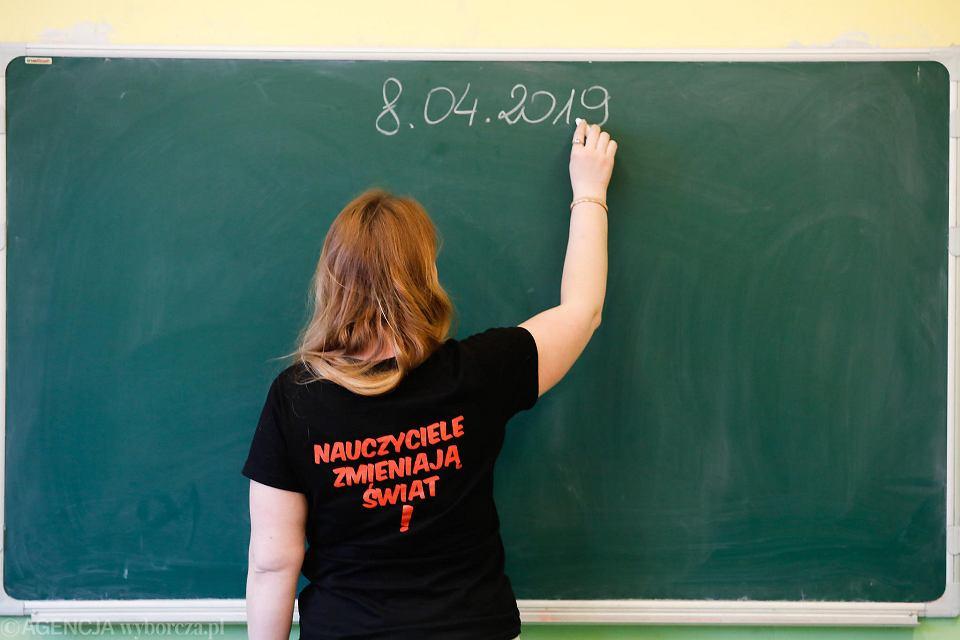 Nauczycielka w trakcie strajku
