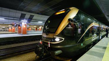 Tak wygląda pociąg LEO Express, który wozi turystów do Pragi z Krakowa. Teraz będzie można nim pojechać także na trasie Wrocław - Praga