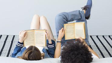 Lektury szkolne od zawsze mają swoich zwolenników i przeciwników. Zdjęcie ilustracyjne, sebra/shutterstock.com
