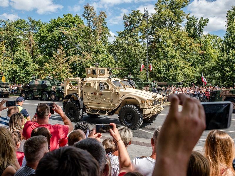 15 sierpnia wojskowa defilada