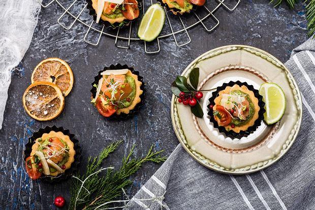 Tartaletki razowe z ricottą i łososiem