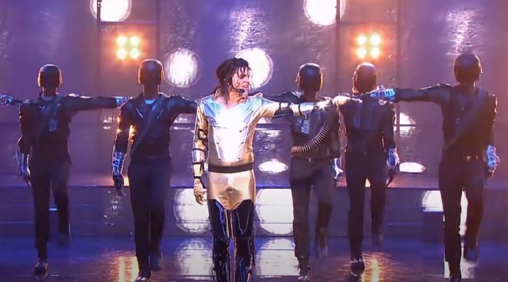 Piotr Gawron Jedlikowski jako Michael Jackson w 'Twoja Twarz Brzmi Znajomo'