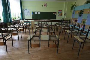 Minister Czarnek stawia uczniom ultimatum. Albo religia, albo etyka. Broniarz: Wybucha pomysłami niczym gejzer na Islandii
