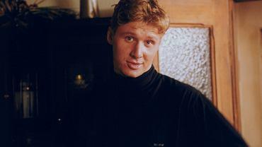 """Andrzej Nejman ma już 41 lat. Od czasu, kiedy widzieliśmy go w serialu """"Złotopolscy"""", w którym wcielił się w postać Waldka Złotopolskiego, minęło już niemal 20 lat. Zobaczcie, jak się zmienił."""