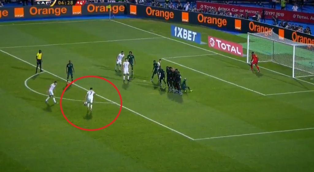 Riyad Mahrez daje awans Algierii w meczu z Nigerią w półfinale PNA