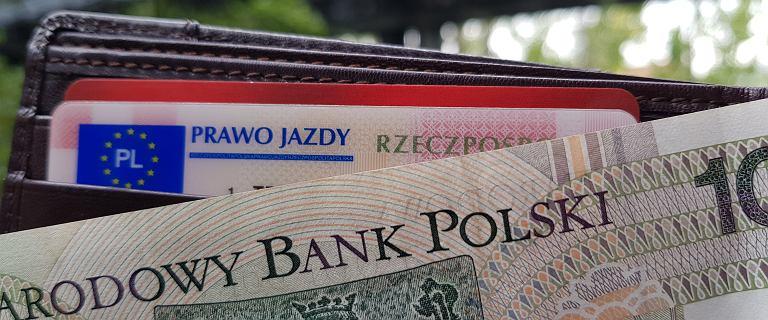 Bezterminowe prawo jazdy 2021 - wymiana, przepisy, kiedy. Wymienić musi każdy, ale spokojnie