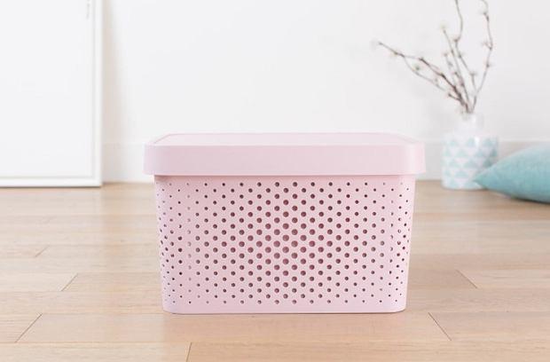Różowe pudełko