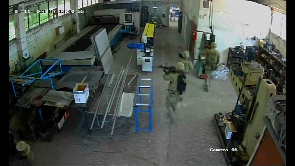 Amerykańscy żołnierze w bułgarskiej fabryce