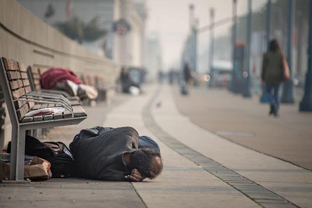 Bezdomni w San Francisco (fot. Izzy Bouchard / Shutterstock.com)
