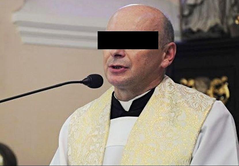 Wiesław C. przez lata miał przesyłać nieletniej dziewczynce swoje nagie zdjęcia. Namawiał ją też do seksu.