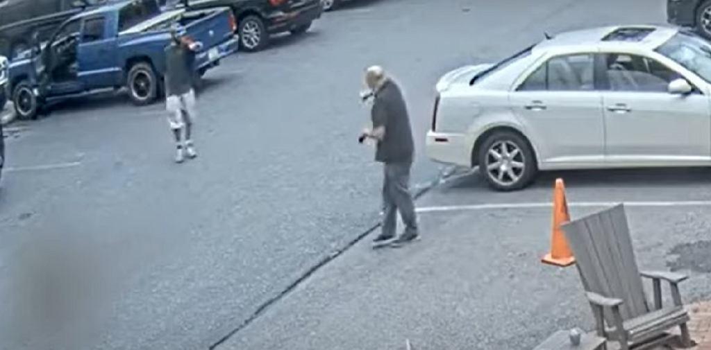 USA. 35-latek strzelił do pracownika sklepu, który poprosił go o założenie maseczki.