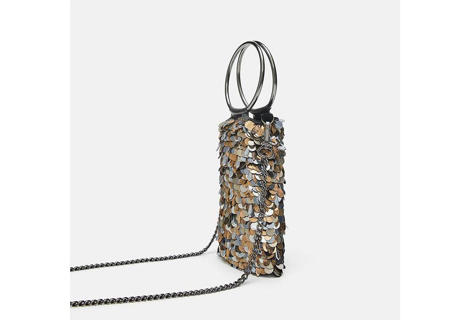 Cekinowa torebka na telefon to nowość w kolekcji Zara