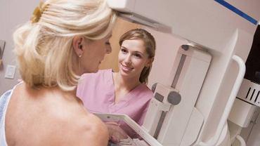 Mammografia oraz samobadanie to najlepsze metody pozwalające wykryć pierwsze zmiany nowotworowe w piersiach
