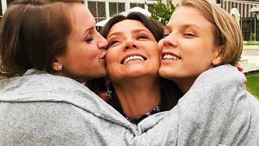 Kinga Rusin z córkami