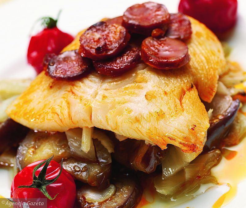 Ryba z chorizo
