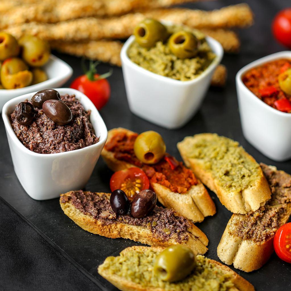 Tapenada - pasta z oliwek, kaparów i anchovies