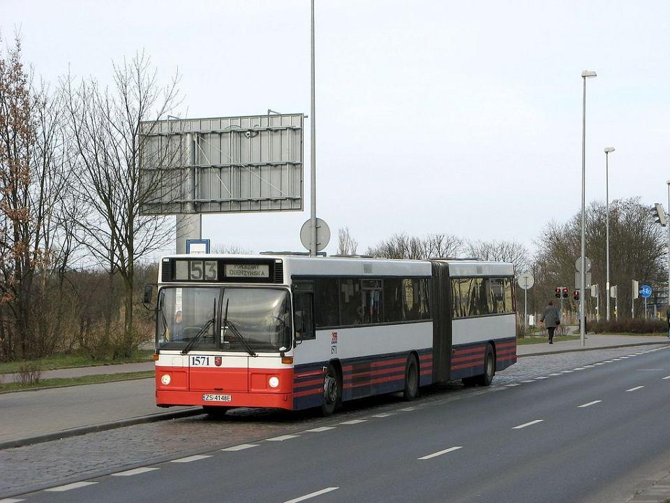 Ostatni Volvo B10M, który trafi do muzeum, a piątek po raz ostatni wyjedzie na trasę z pasażerami