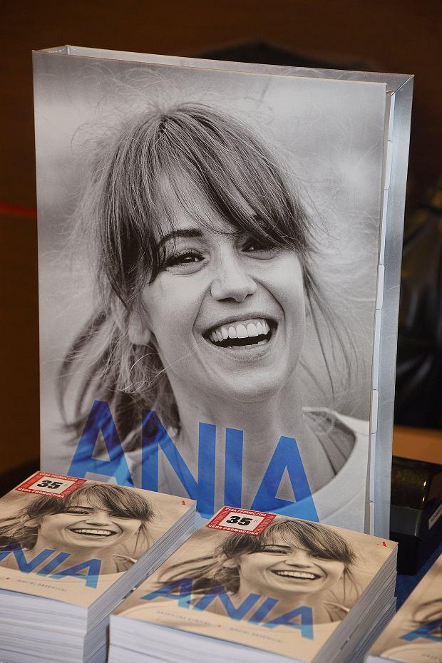 &Promocja ksiazki o Annie PrzybylskiejC