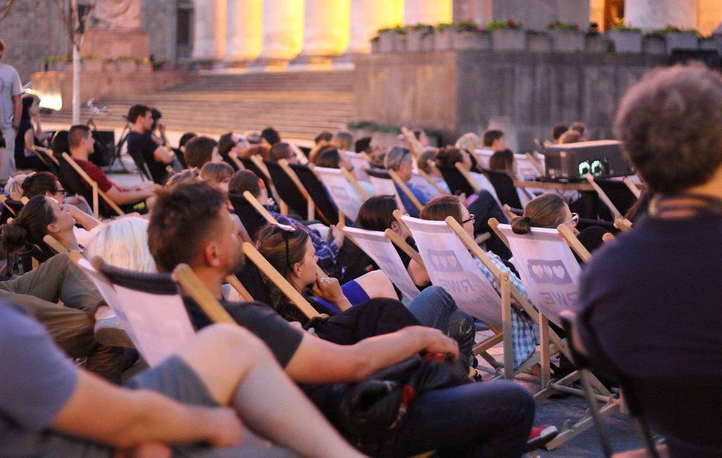 Plac Defilad kino letnie / Plac Defilad/ Facebook.com