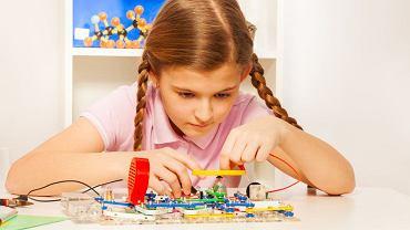 Nauka, technologia, inżynieria i matematyka to klucz do kariery. Też dla dziewczynek