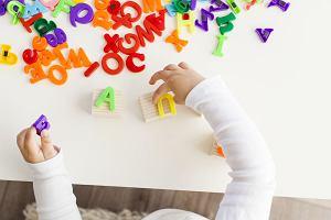 Zabawy dla dzieci w domu - co robić, gdy jesteśmy zamknięci w czterech ścianach?