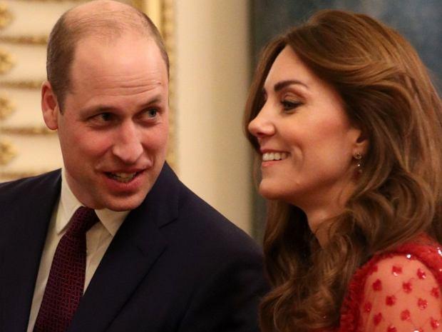 Podobno księżna Kate i książę William są zadowoleni z faktu, że Meghan Markle i książę Harry wyprowadzili się do Kanady. Tak przynajmniej twierdzą zagraniczne media.