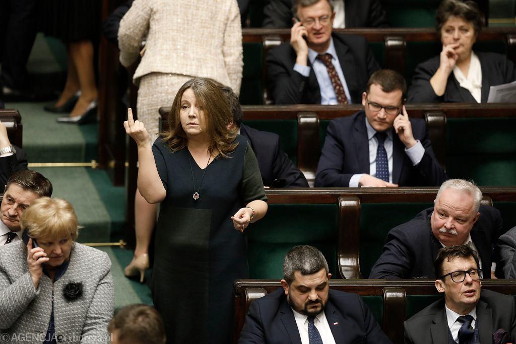 5. Posiedzenie Sejmu X Kadencji, Joanna Lichocka podczas bloku glosowań, Warszawa 13.02.2020