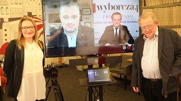 Spotkanie online pt.'Skąd brać nadzieję?' w Klubie Gazety Wyborczej, 4 lutego 2021 r. Od lewej: Aleksandra Sobczak, Bartosz Wieliński, Donald Tusk, Adam Michnik.