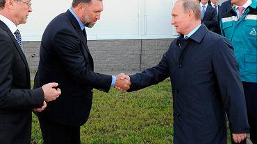 Oleg Deripaska, z którym współpracował Paul Manafort, i Władimir Putin (fot. Mikhail Klimentyev/AP)