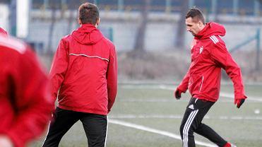 Dawid Jarka (z prawej) na treningu Górnika Zabrze