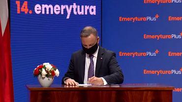 Andrzej Duda podpisał ustawę o 14. emeryturze