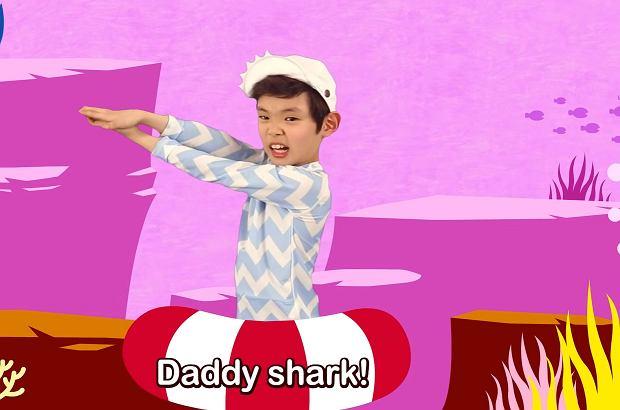 """Masz już dość """"Baby shark""""? Powstała nowa wersja na czas epidemii koronawirusa. Przyjmie się?"""