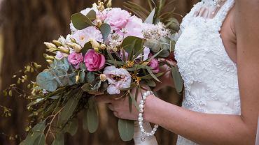 Bukiet ślubny: jak go zrobić? Sprawdź nasze pomysły DIY. Zdjęcie ilustracyjne
