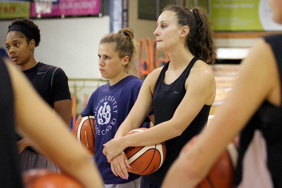 Z gorzowską drużyną koszykarek trenują już wszystkie zagraniczne zawodniczki zakontraktowane na sezon 2016/17: Australijki Nicole Seekamp i Stephanie Talbot oraz Amerykanka Courtney Hurt