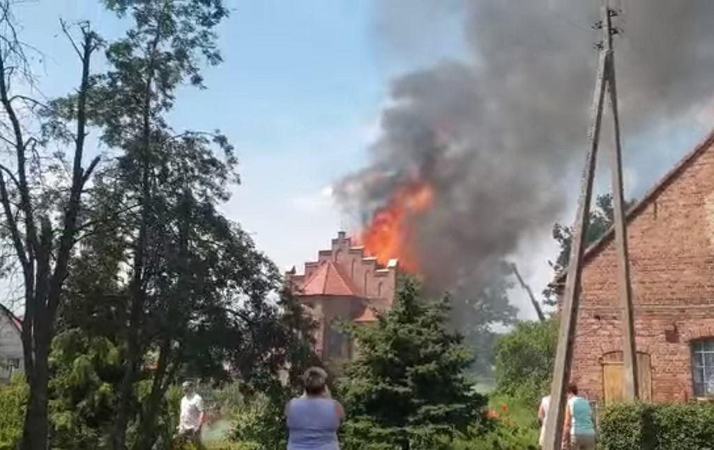 Pożar kościoła w miejscowości Lutol Suchy